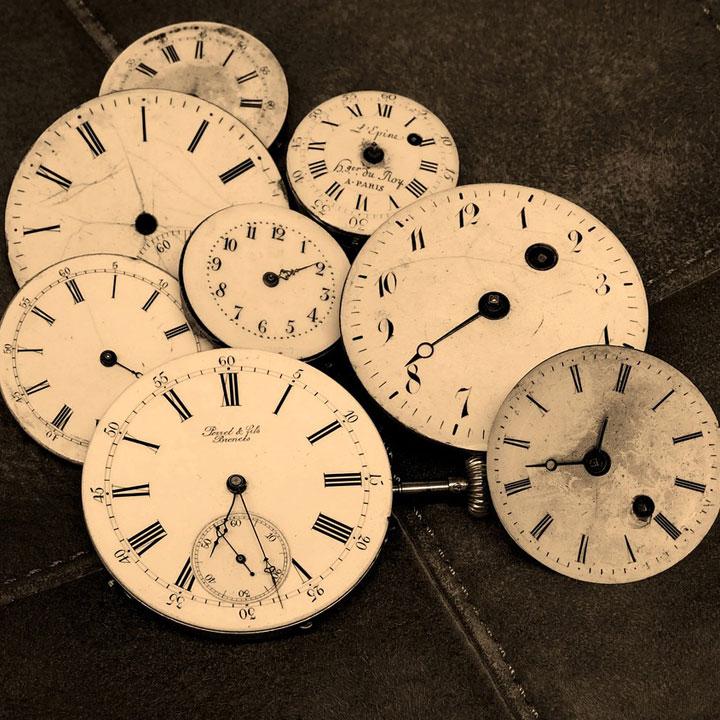 土日休み:お金と時間がかかる